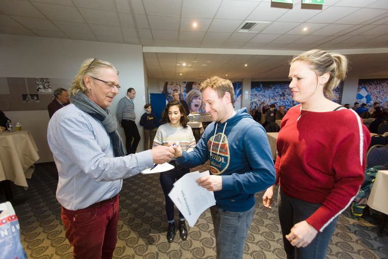 Nieuwjaarsfeestje voor 175 kinderen die deelnemen aan de Welzijnscup van Racing Genk en serviceclub Rotary Genk.