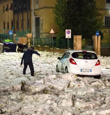 Onverwachte ijsstorm legt in tien minuten heel Rome lam