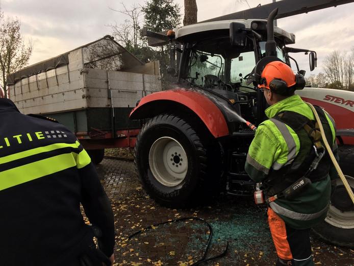 Tractor in brand in Valkenswaard