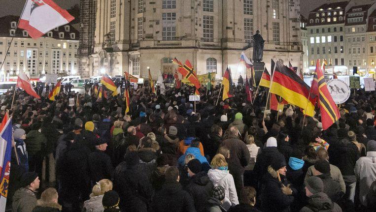 """Protestmars van Pegida in Dresden tegen de """"islamisering van het Westen""""."""