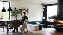 """Binnenkijken in villa in Schoten met binnenjungle en zitput: """"Dit is het hart van de woning, niet de keuken"""""""
