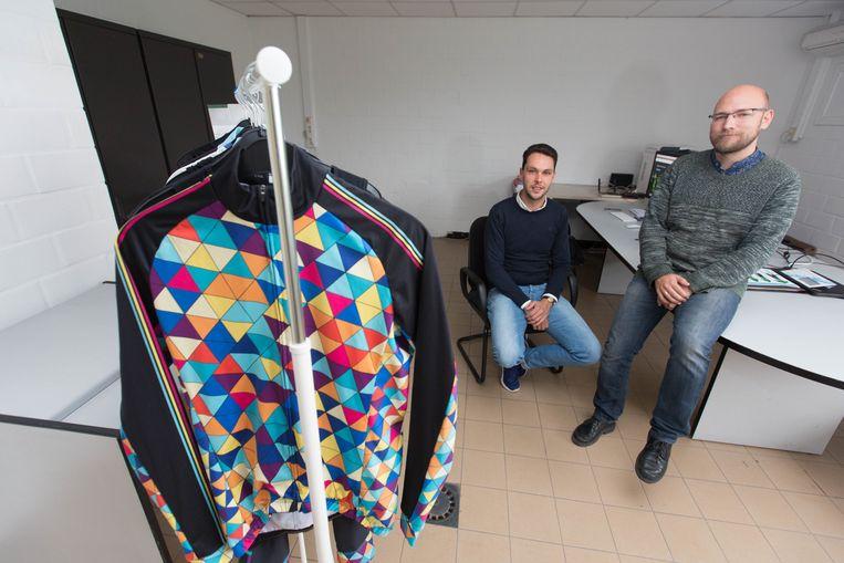Ex-wielrenner Sander Helven (links) start samen met Krijn Swinnen een bedrijf in wielerkleding.