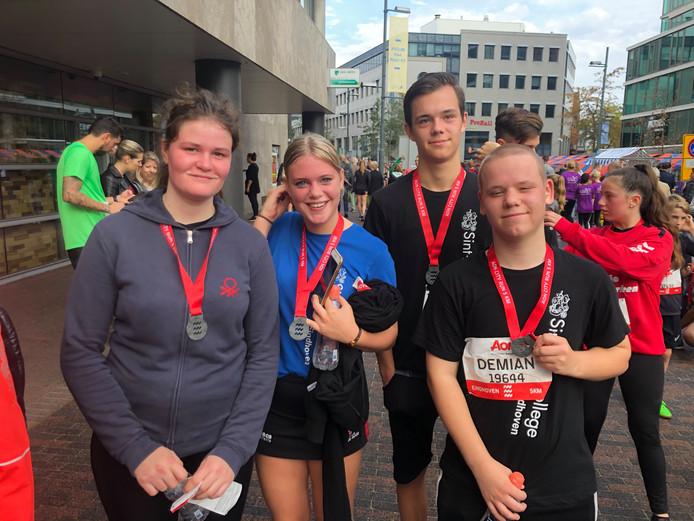 Leerlingen van het Sint-Joriscollege uit Eindhoven hebben de City Run 5km van Marathon Eindhoven gelopen.