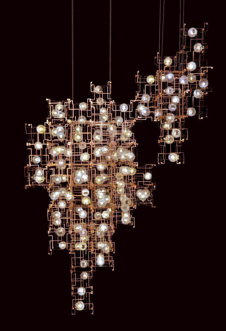 Fragile Future Chandelier 3.5 (2012). Beeld RV - Stedelijk Museum, Amsterdam