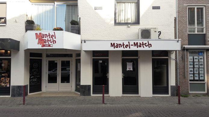 Het nieuwe Mantel-Match Café  aan de Peperstraat in Kaatsheuvel.