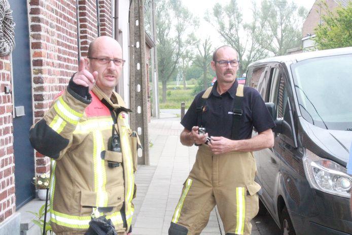De brandweer voerde metingen uit van de CO-waarde in de woningen rond het bedrijf.