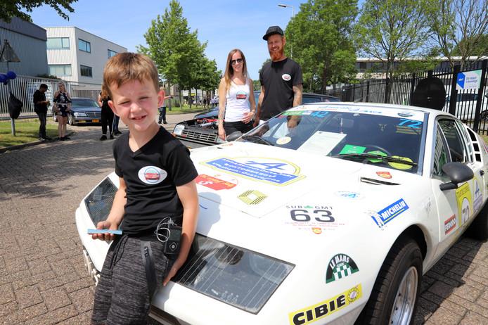 Moeder Kimberley organiseert Cars for Diabetes - een evenement met zeker 200 auto's in Spijkenisse.