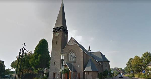 Deuren opengebroken bij inbraak in pastorie Pancratiuskerk in Geesteren, alleen geld gestolen.