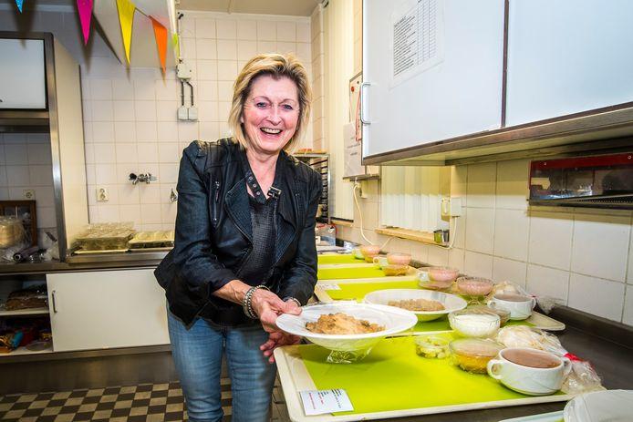 Mariet Kamphuis neemt na 47 jaar afscheid keukens Scholtenhof en Mariahof