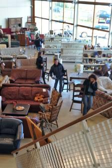 Pareltjes bij Zeeuwse kringloopwinkels; 'Je weet niet altijd wat je in handen hebt'
