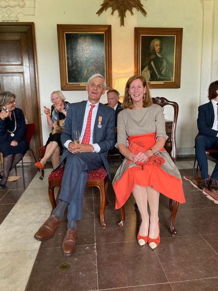 Ridder in de Orde van Oranje Nassau mr. J.M. van den Wall Bake