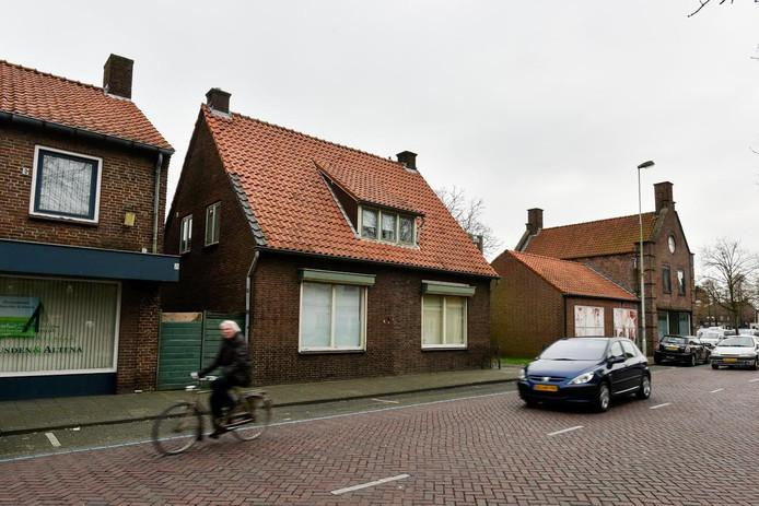 De hoek Akkerstraat- Plein in Vlijmen kan opgeknapt worden.