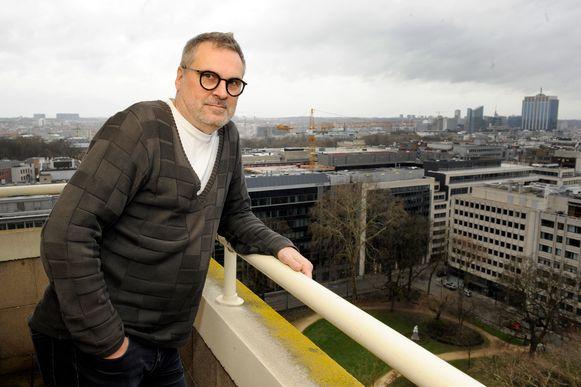 """Veel beton, ziet Vlaams Bouwmeester Leo Van Broeck in Brussel, maar: """"Hier wonen 7.000 mensen per km2. In Parijs zijn dat er 22.000, hé."""""""