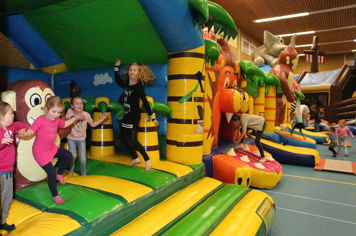 Springkussenfestival in sporthal de Jachtlust