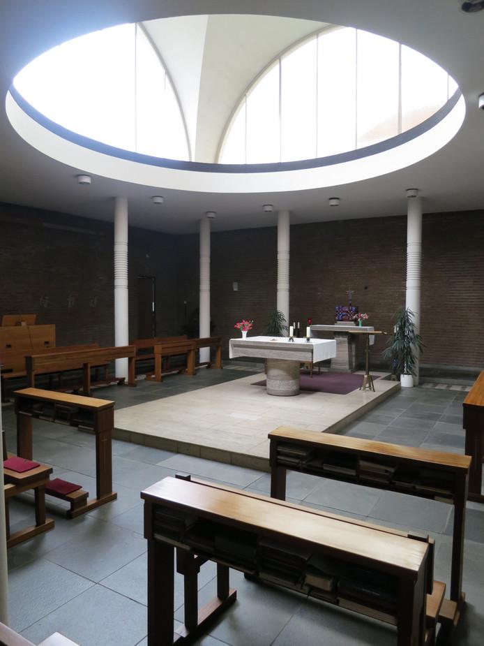 Het interieur van de kapel van het generalaat aan de Gasthuisring.