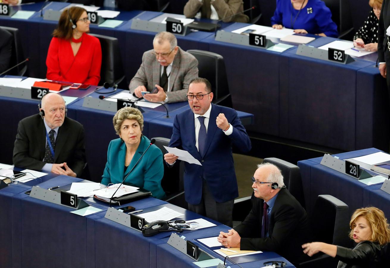 Gianni Pittella (in het midden).