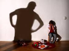 OM vervolgt Zwijndrechtenaar voor kindermishandeling: 'Ik geef ze soms billenkoek'