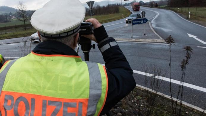 Snelheidscontrole bij de Zwitserse grens
