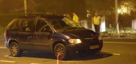 Fietser (18) die in Lopik met iemand achterop door rood reed en tegen auto knalde, krijgt taakstraf