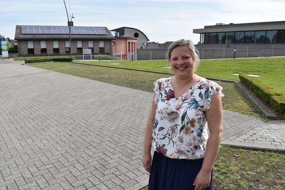 Melissa Dooms ziet de nieuwe geldautomaat graag in het gemeentehuis of in OC De Lier komen.