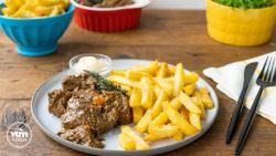 Stoofvlees met frietjes! Smakelijk eten!