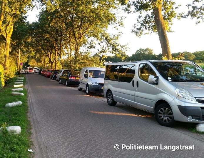 De auto's stonden op een plek waar een parkeerverbod geldt.