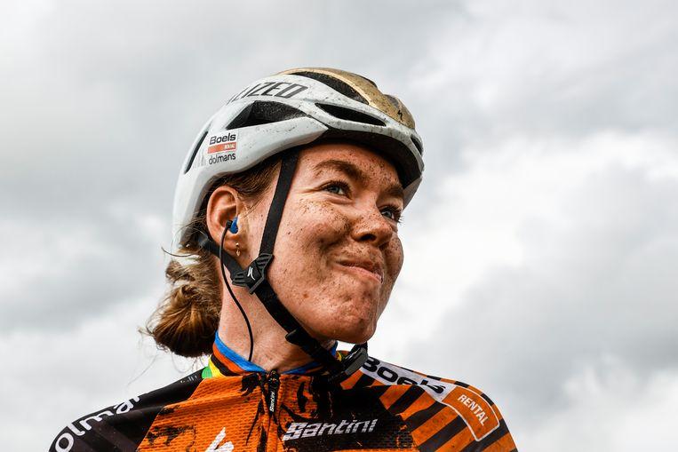 Anna van der Breggen tijdens een eerdere zege: het winnen van de wegwedstrijd op het NK wielrennen. Beeld Hollandse Hoogte /  ANP