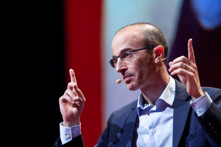 Yuval Harari tijdens zijn lezing in de Lotto Arena in januari 2020