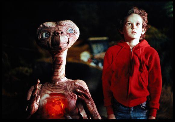 In de film 'E.T.' speelt de rode sweater van Elliot een opvallende rol.