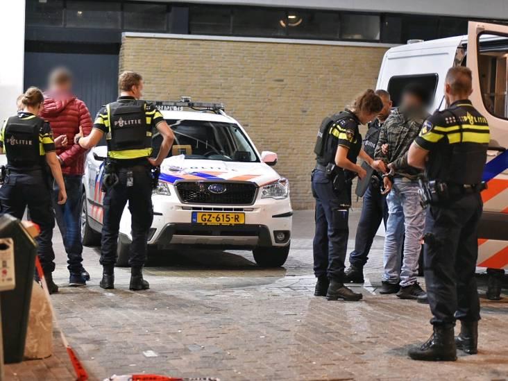 Station Tilburg ontruimd na bommelding, vier mannen aangehouden