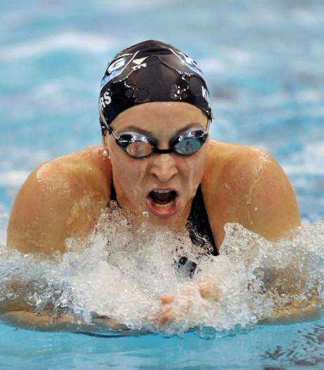 Misbruikte Kukors klaagt zwembond VS aan