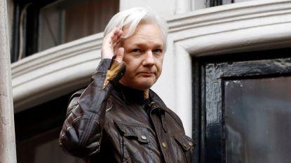 President Ecuador is Assange beu