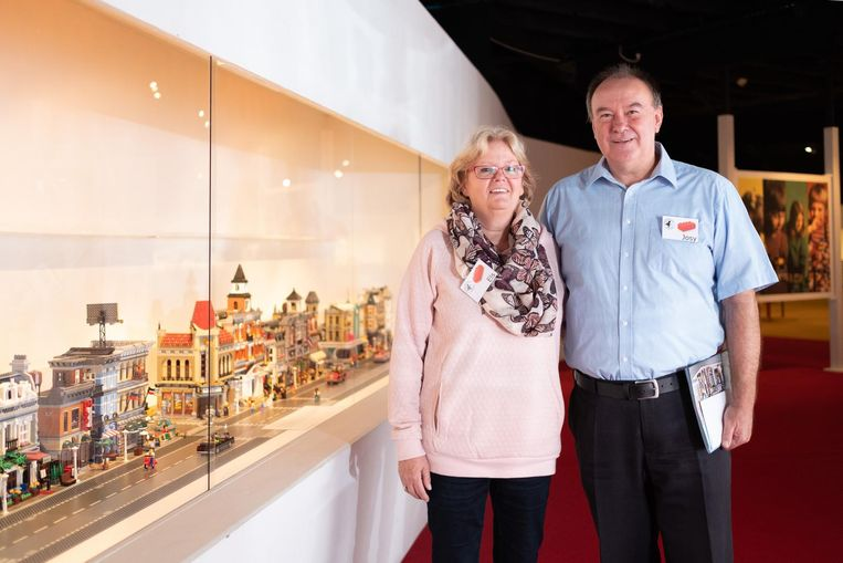 Els Portael en Josy Marien genieten met volle teugen van de expo in het Speelgoedmuseum.