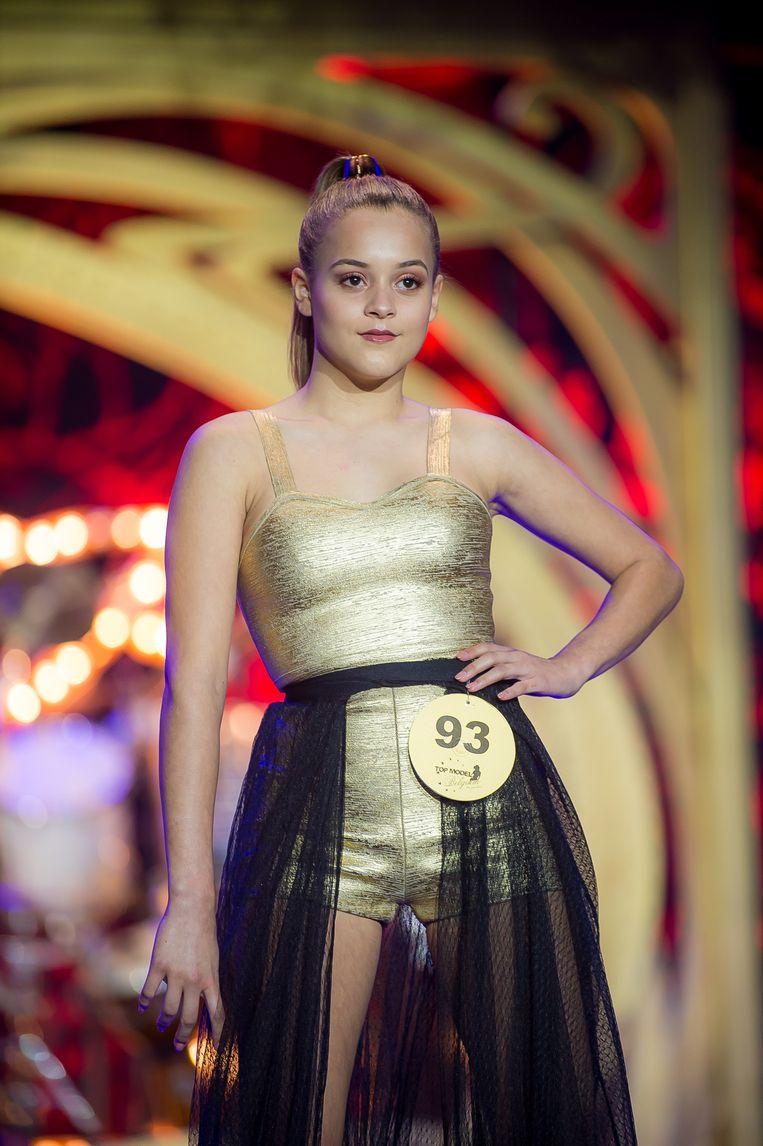 Rayna op het podium in de Lido van Parijs