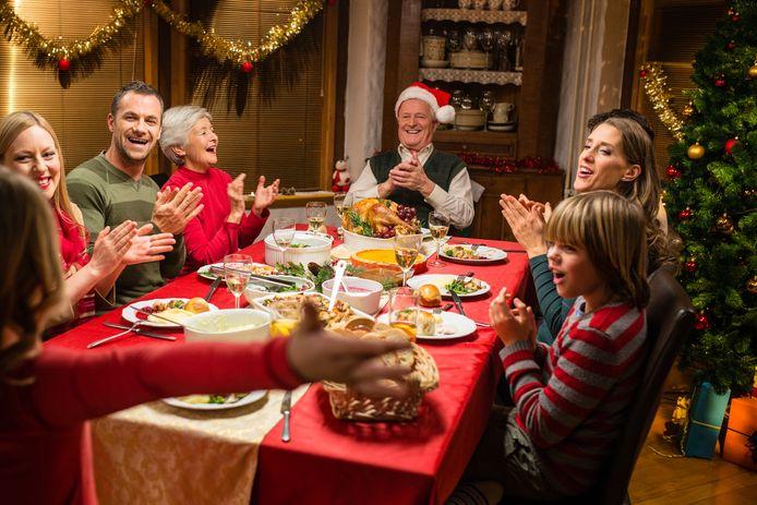 Met acht rond de kerstdis zal helaas niet voor dit jaar zijn. Een ruime meerderheid van de Vlamingen zal zich daar aan houden.