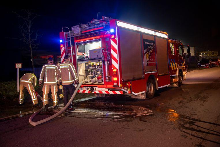 Bij Tabacco Twist op het industrieterrein Vantegem in Wetteren brak zaterdagnacht een brandje uit.