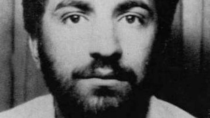 Begin jaren negentig kreeg Reza Kolahi Samadi een verblijfsvergunning op naam van Ali Motamed.