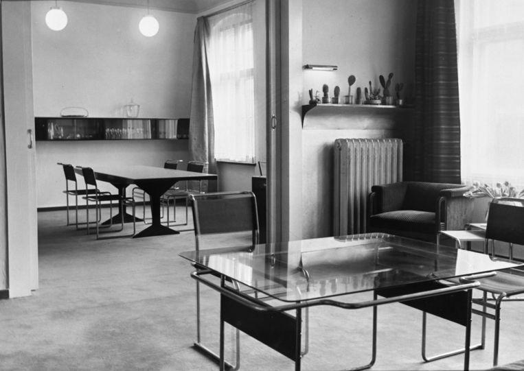 Eetkamer in Dessau ingericht door Marcel Breuer. Beeld ullstein bild via Getty Images