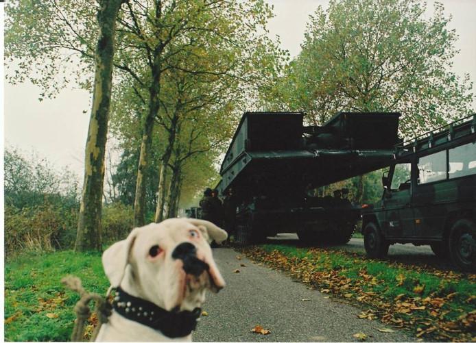 Tanks kwamen op 7 november 2006 een loopbrug brengen.