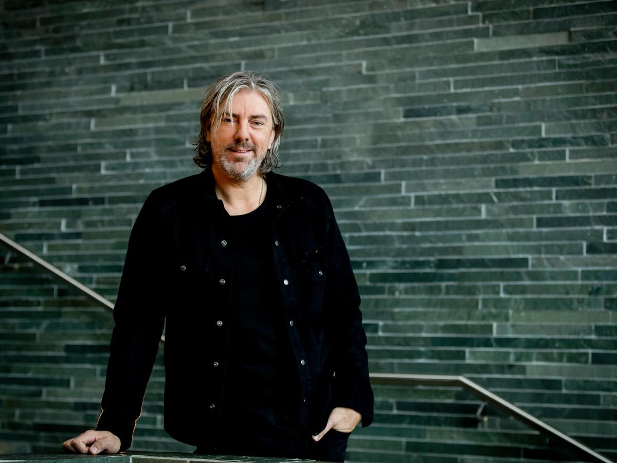 Ruud de Wild maakt de pocast 30 Minuten Rauw, ook presenteert hij een programma op Radio 2.