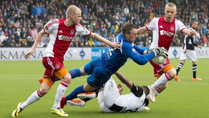 Ajax-topscorers Klaassen (L) en Sigthorsson (R).