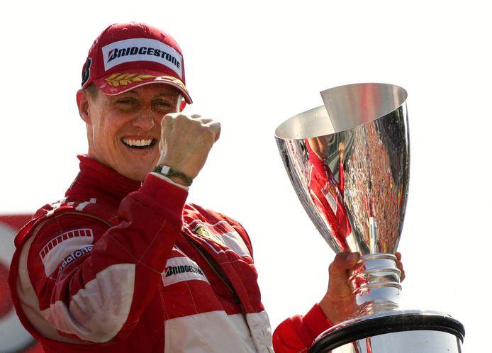 Michael Schumacher na zijn winst op het circuit van Monza in 2006.