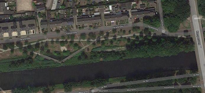 Visser vindt dode in water aan de Parallelweg in Oirschot.