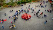 Leerlingen Via Tienen Eerste Graad kleuren hun school rood op Rode Neuzen Dag
