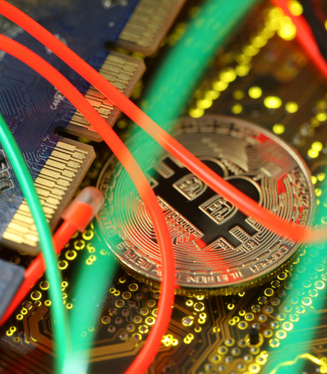 Bitcoin maakt flinke duikeling