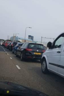 Ongelukken zorgen voor drukte rond Nijmegen: 'Vertrek op tijd naar Guns N' Roses'