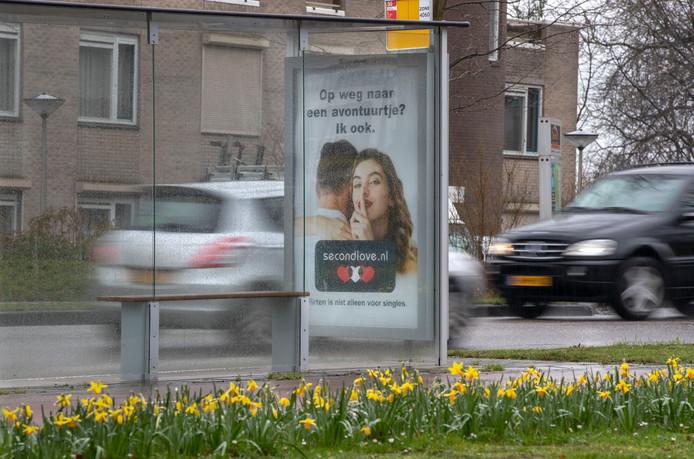 Op dit soort reclames moet in Dordrecht een verbod komen, vindt SGP/ChristenUnie.