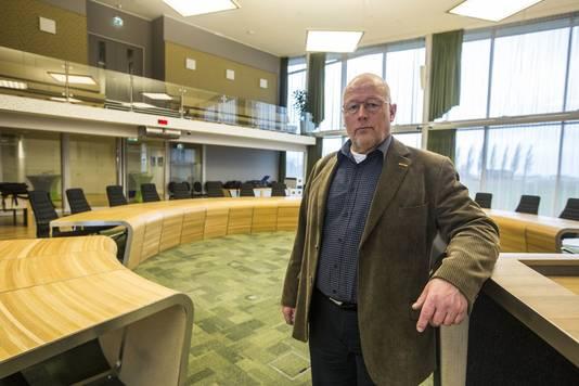 VVD-fractievoorzitter Gert-Jan van Dooremaal in de raadzaal van Midden-Delfland.