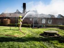 Bewoners door brand verwoeste boerderij in Horssen aangeslagen: 'Onze kinderen zijn hier opgegroeid'