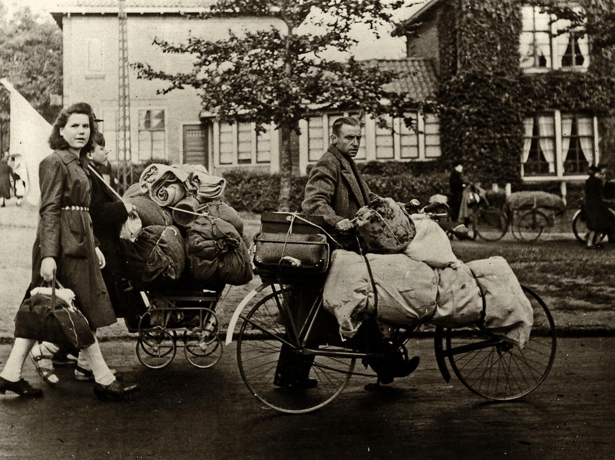 Bijna 100.000 inwoners van Arnhem moesten in september 1944 halsoverkop hun spullen pakken. Meer dan de helft van hen vond onderdak in Apeldoorn.